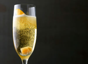 Orange-Spiked Champagner Cocktail