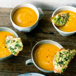 k rbis papaya suppe mit obatzda r stbrot rezept k cheng tter. Black Bedroom Furniture Sets. Home Design Ideas