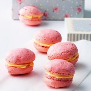 macarons mit rosencreme rezept k cheng tter. Black Bedroom Furniture Sets. Home Design Ideas