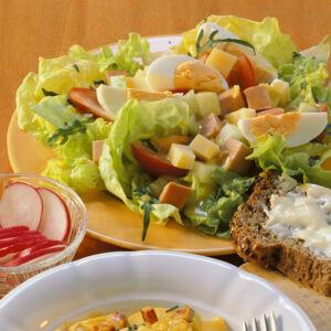 salate mit fleisch und fisch k cheng tter. Black Bedroom Furniture Sets. Home Design Ideas