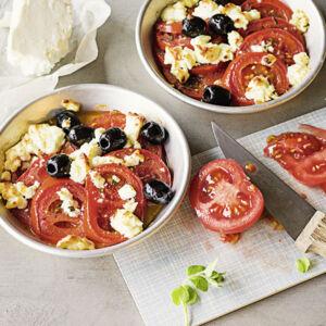nudelsalat mit tomaten und feta rezept k cheng tter. Black Bedroom Furniture Sets. Home Design Ideas