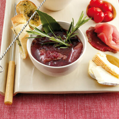 fondue leckere rezepte f r fondue saucen beilagen. Black Bedroom Furniture Sets. Home Design Ideas