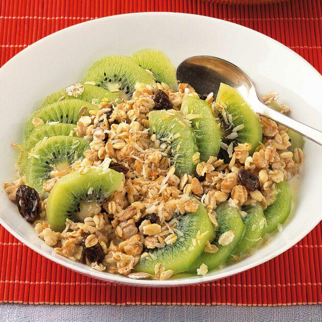 Kokos-Kiwi-Müsli Rezept | Küchengötter