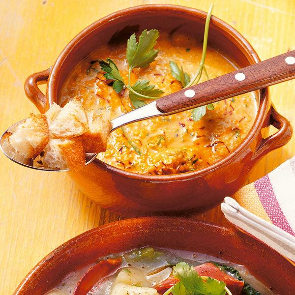 Mandelsuppe mit Oliven und Safran Rezept | Küchengötter