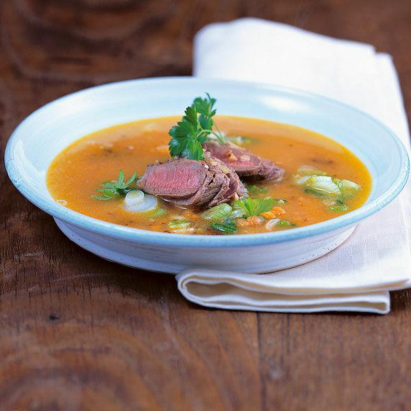 rote linsen suppe mit lamm rezept k cheng tter. Black Bedroom Furniture Sets. Home Design Ideas