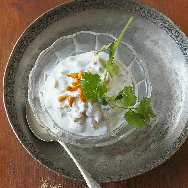 joghurt mit frittierten perlen rezept k cheng tter. Black Bedroom Furniture Sets. Home Design Ideas