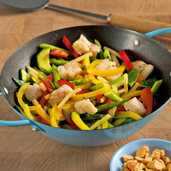 Asia-Gemüse mit Fisch aus dem Wok Rezept   Küchengötter