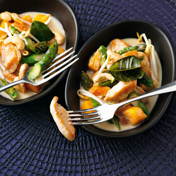 h hnchen mango curry mit gr nem spargel rezept k cheng tter. Black Bedroom Furniture Sets. Home Design Ideas