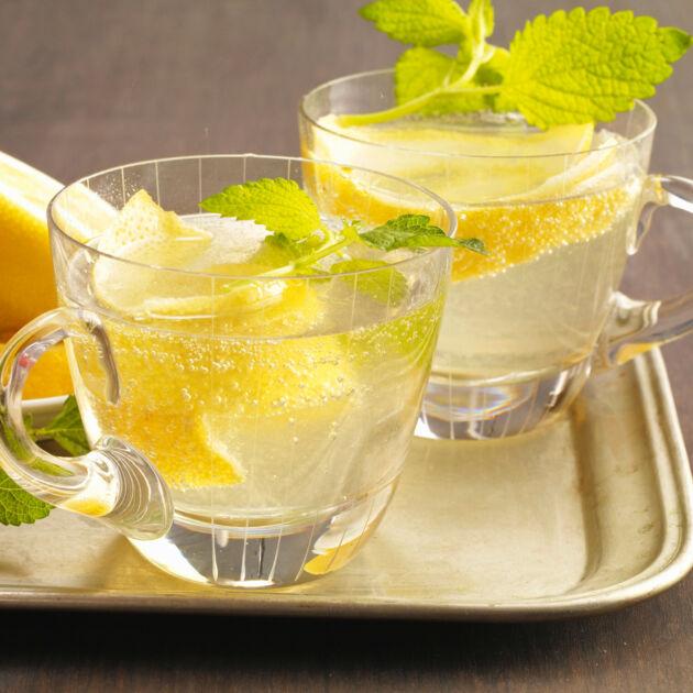 Kalte Ente Rezept - erfrischende Zitronen-Bowle | Küchengötter