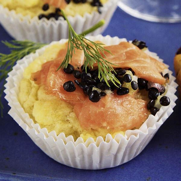 muffins mit r ucherlachs und beluga linsen rezept k cheng tter. Black Bedroom Furniture Sets. Home Design Ideas