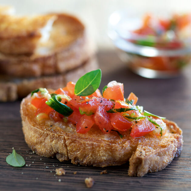 bruschetta mit tomaten rezept k cheng tter. Black Bedroom Furniture Sets. Home Design Ideas
