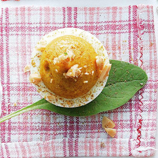 Eier mit currycreme und erdn ssen rezept k cheng tter - Eier kochen dauer ...