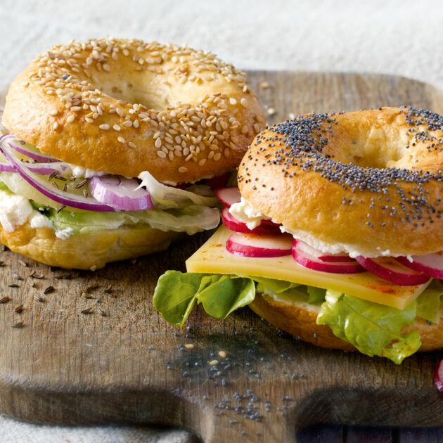 Zweierlei Käse-Bagels Rezept | Küchengötter