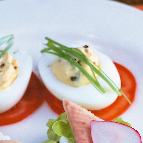 Gef llte eier auf tomaten rezept k cheng tter - Eier kochen dauer ...