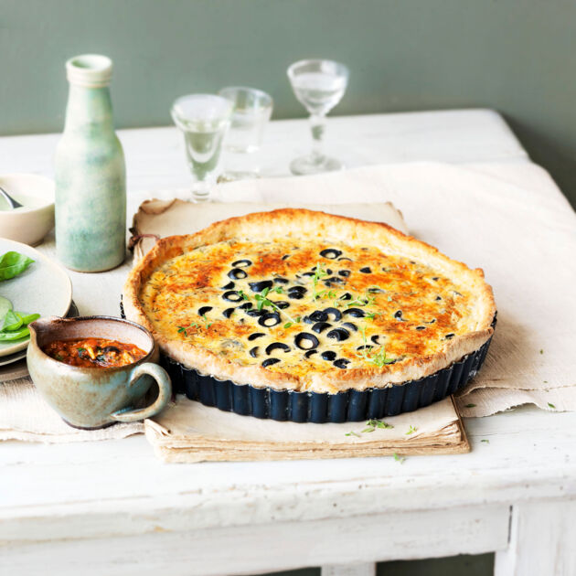 parmesan oliven tarte rezept k cheng tter. Black Bedroom Furniture Sets. Home Design Ideas