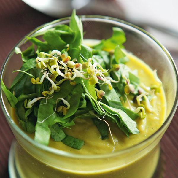 Scharfe Kokos-Blumenkohl-Suppe Rezept | Küchengötter