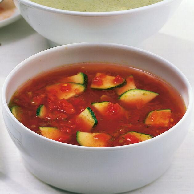 tomatensuppe mit zucchini rezept k cheng tter. Black Bedroom Furniture Sets. Home Design Ideas