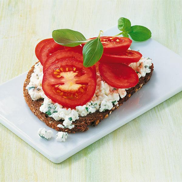 Tomaten-Frischkäse-Brot