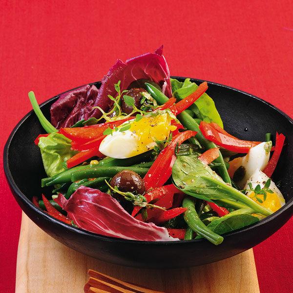 bunter salat mit bohnen und eiern rezept k cheng tter. Black Bedroom Furniture Sets. Home Design Ideas