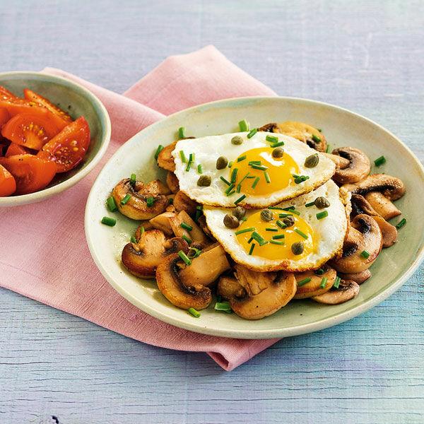 Spiegelei auf Pilzen Rezept   Küchengötter