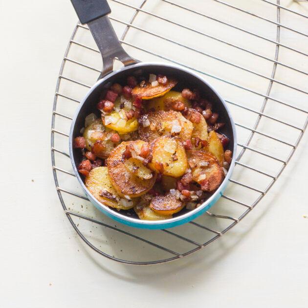 Bratkartoffeln mit Zwiebeln und Speck Rezept | Küchengötter