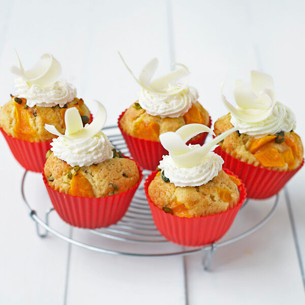 mango cupcakes mit wei er schokolade rezept k cheng tter. Black Bedroom Furniture Sets. Home Design Ideas