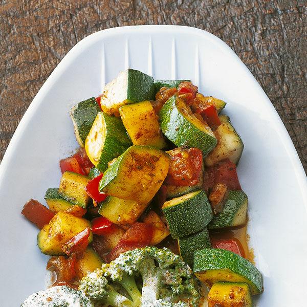 Einfache indische Zucchini Rezept | Küchengötter