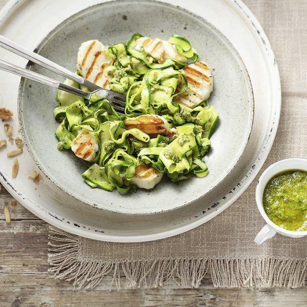 Halloumi Mit Zucchini Pesto Nudeln Rezept Küchengötter
