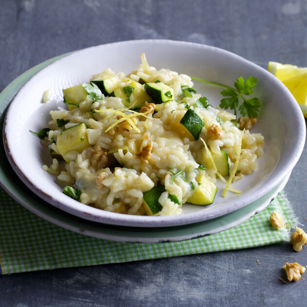 zucchini risotto mit taleggio rezept k cheng tter. Black Bedroom Furniture Sets. Home Design Ideas