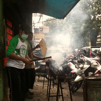 """If it smokes, it's Saté!"" Auf Streetfoodtour in Jakarta"