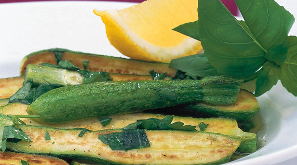 zucchini leckere allrounder k cheng tter. Black Bedroom Furniture Sets. Home Design Ideas