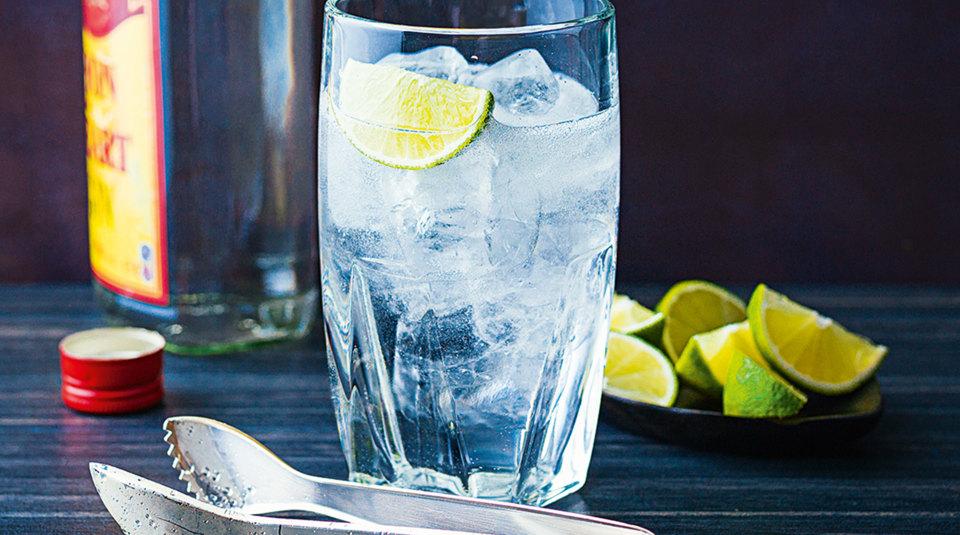 20 drinks cocktails mit gin k cheng tter. Black Bedroom Furniture Sets. Home Design Ideas