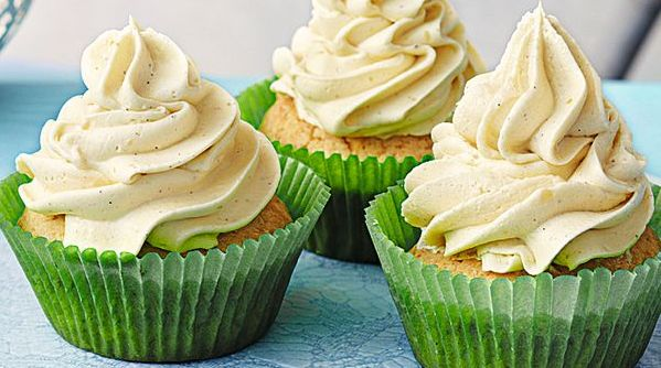 Vanille-Buttercreme-Cups