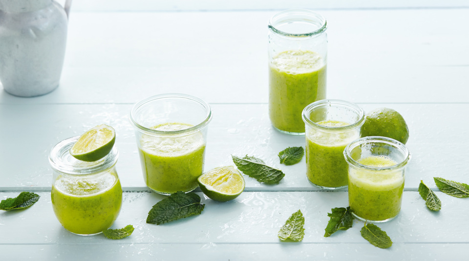 Minze-Avocado-Smoothie mit Sternanis