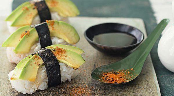 sushi selber machen rezepte f r maki nigiri co k cheng tter. Black Bedroom Furniture Sets. Home Design Ideas