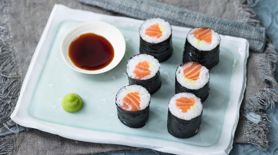 sushi selber machen die besten rezepte f r hoso maki nigiri gunkan co k cheng tter. Black Bedroom Furniture Sets. Home Design Ideas