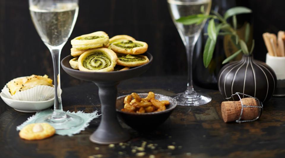 fingerfood rezepte f r silvester k cheng tter. Black Bedroom Furniture Sets. Home Design Ideas