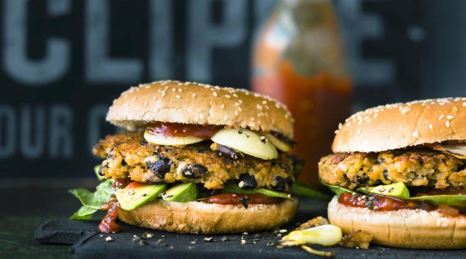 burger rezepte jetzt wird hochgestapelt k cheng tter. Black Bedroom Furniture Sets. Home Design Ideas