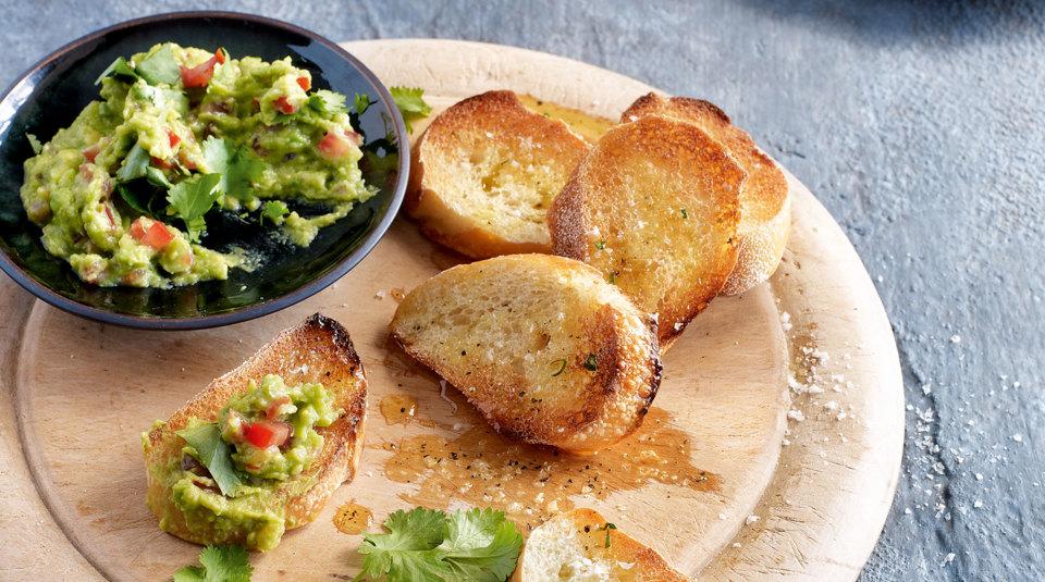 avocado rezepte f r dips cremes und aufstriche k cheng tter. Black Bedroom Furniture Sets. Home Design Ideas
