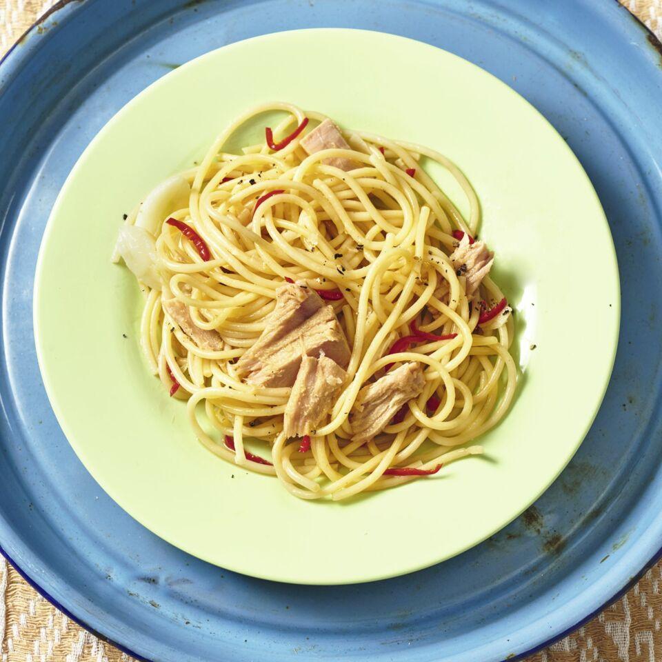Spaghetti aglio e olio mit Thunfisch