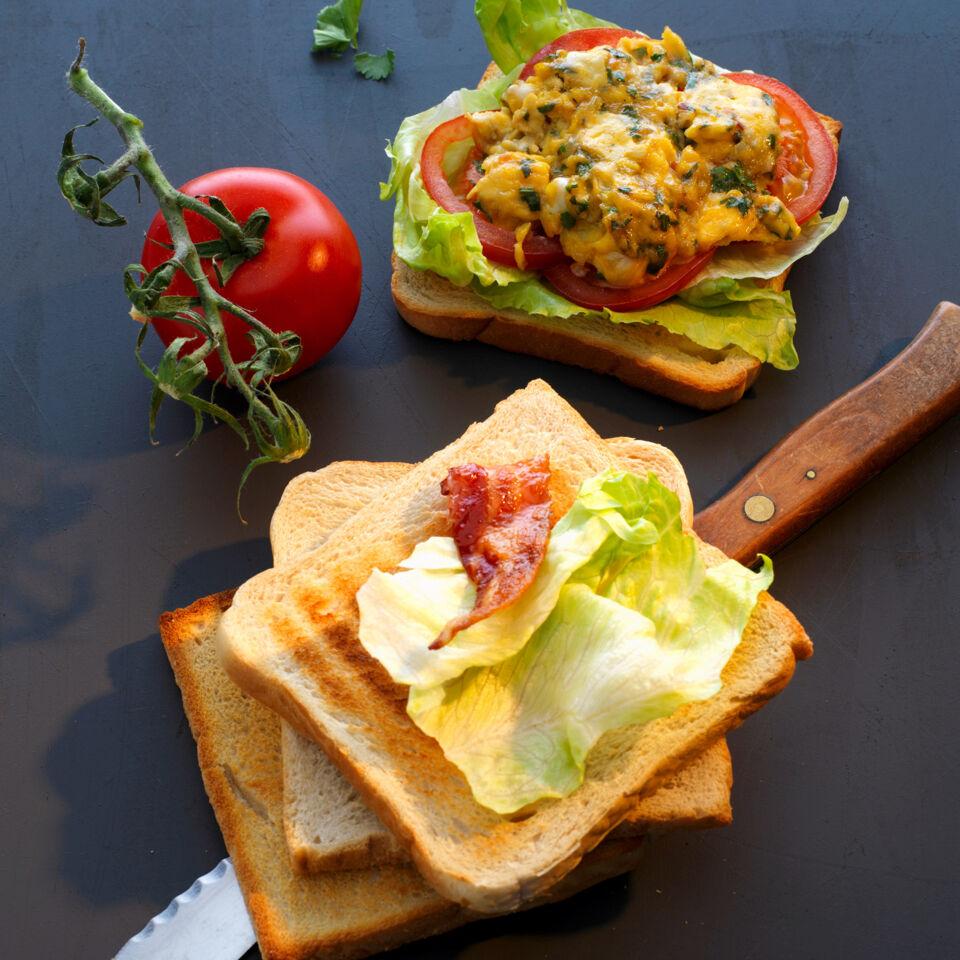 indian club sandwich mit ei und bacon rezept k cheng tter. Black Bedroom Furniture Sets. Home Design Ideas