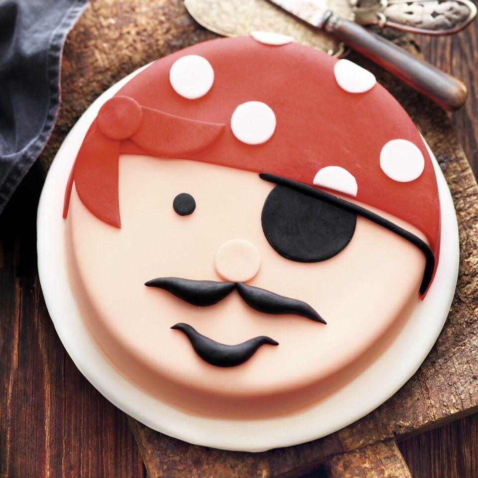 Einfache Motivtorten Pirat Aus Fondant Kuchengotter