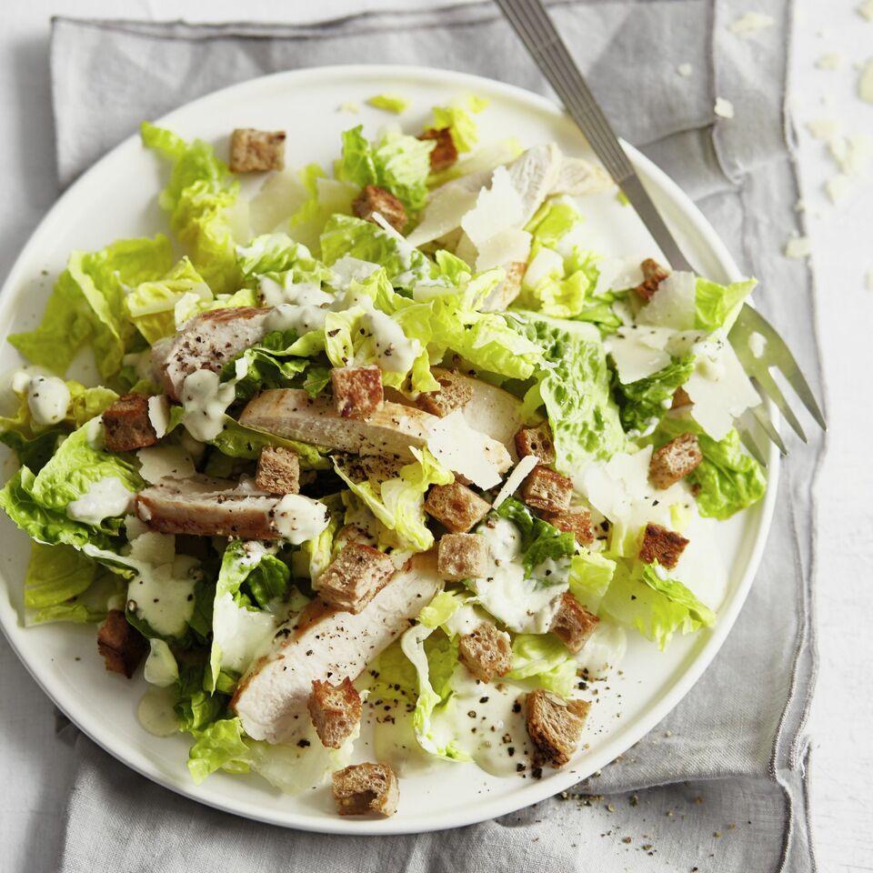leichter ceasar salad mit h hnchenbrust k cheng tter. Black Bedroom Furniture Sets. Home Design Ideas