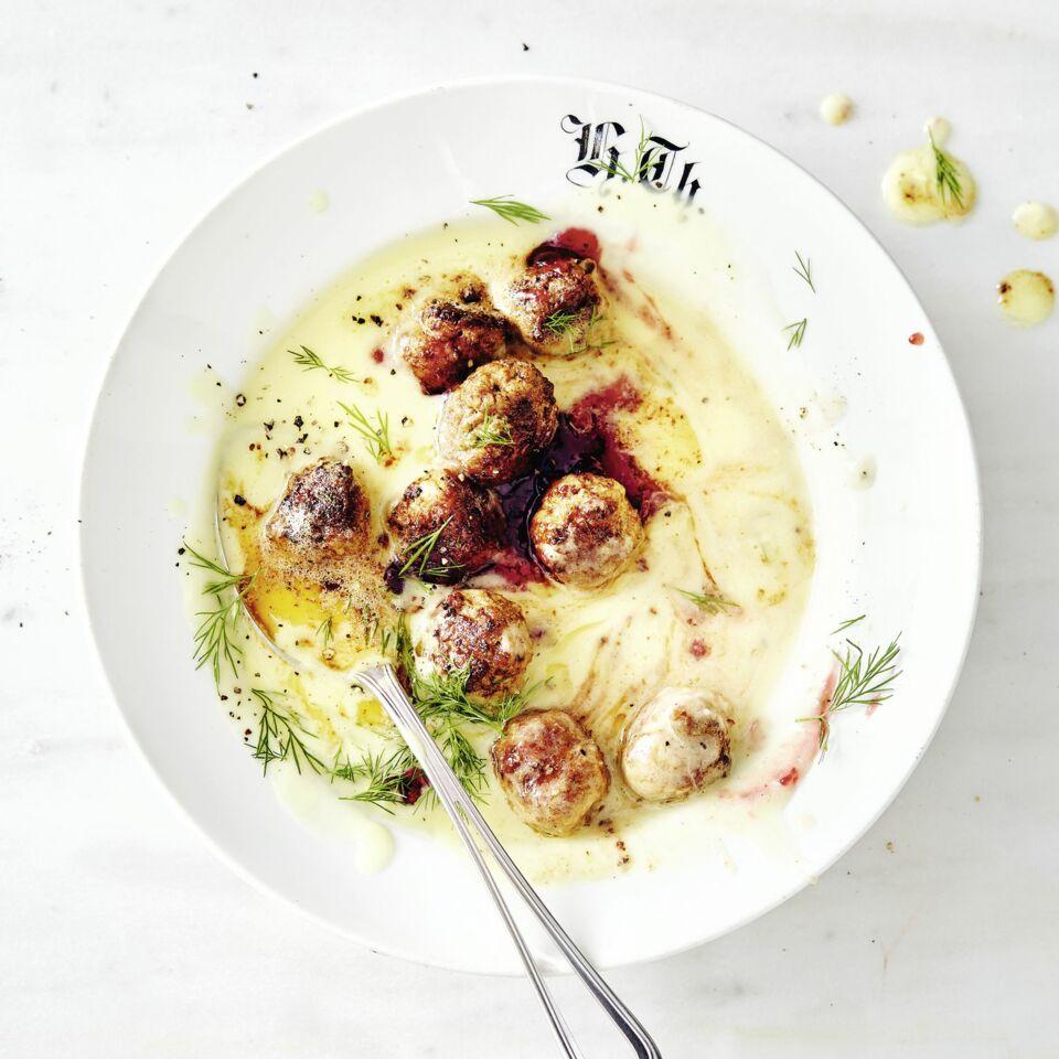 Kartoffel-Käse-Suppe mit Köttbullar