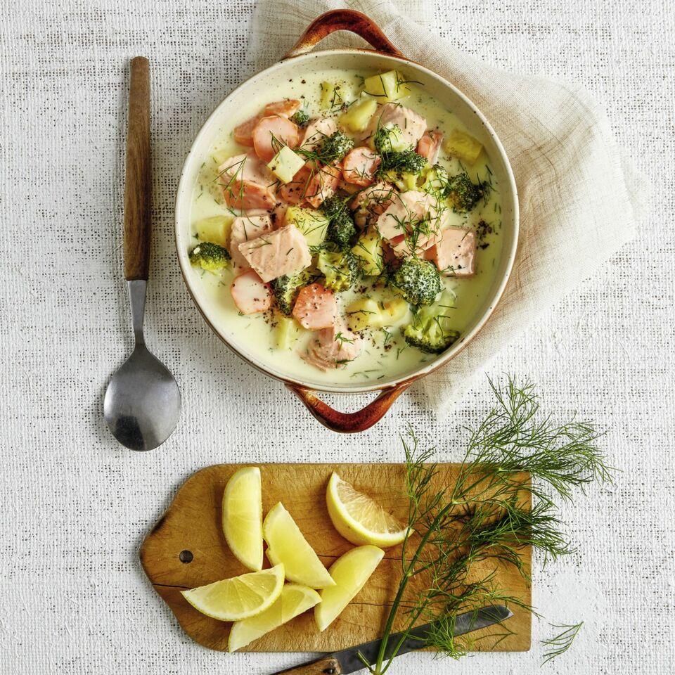 Brokkoli-Kartoffel-Topf mit Lachs