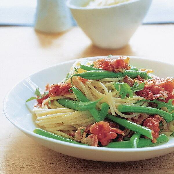 spaghetti mit gr nen bohnen rezept k cheng tter. Black Bedroom Furniture Sets. Home Design Ideas