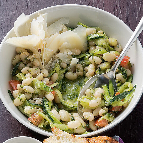 bohnen zucchini salat rezept k cheng tter. Black Bedroom Furniture Sets. Home Design Ideas