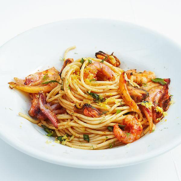 spaghetti mit meeresfr chten rezept k cheng tter. Black Bedroom Furniture Sets. Home Design Ideas