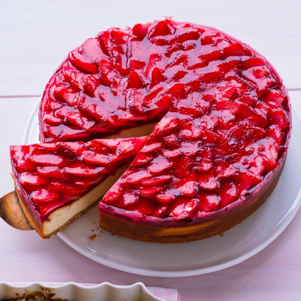 cheesecake mit erdbeeren und echter vanille rezept k cheng tter. Black Bedroom Furniture Sets. Home Design Ideas