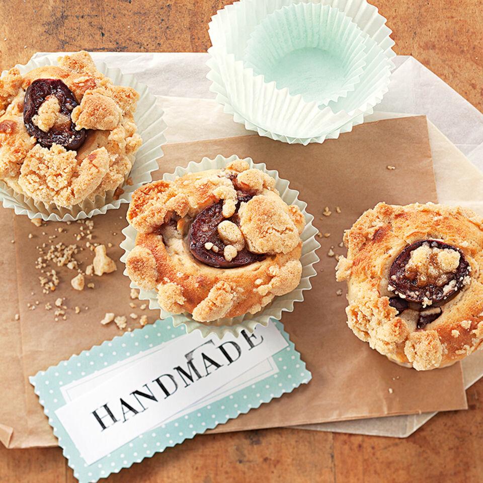 zwetschgen muffins mit streuseln rezept k cheng tter. Black Bedroom Furniture Sets. Home Design Ideas
